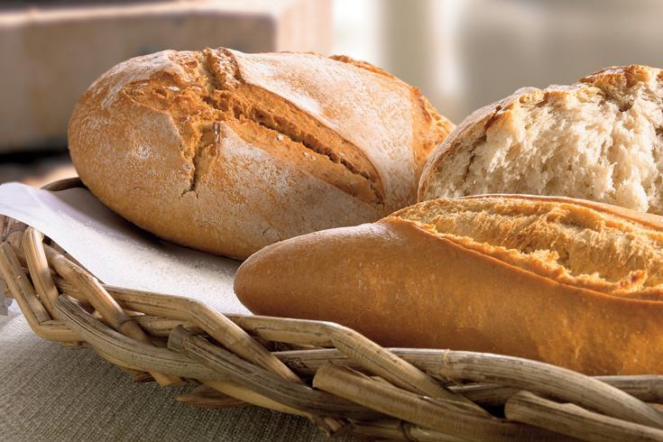 Los españoles con dos raciones de pan al día tiene un perfil calórico más equilibrado