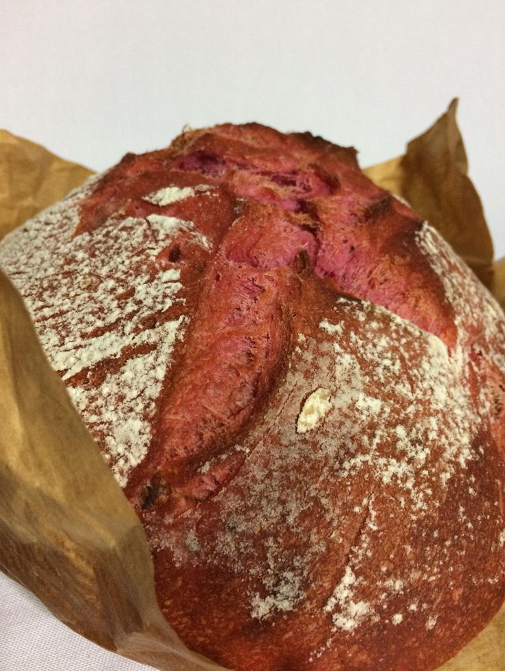 Pan de remolacha y queso