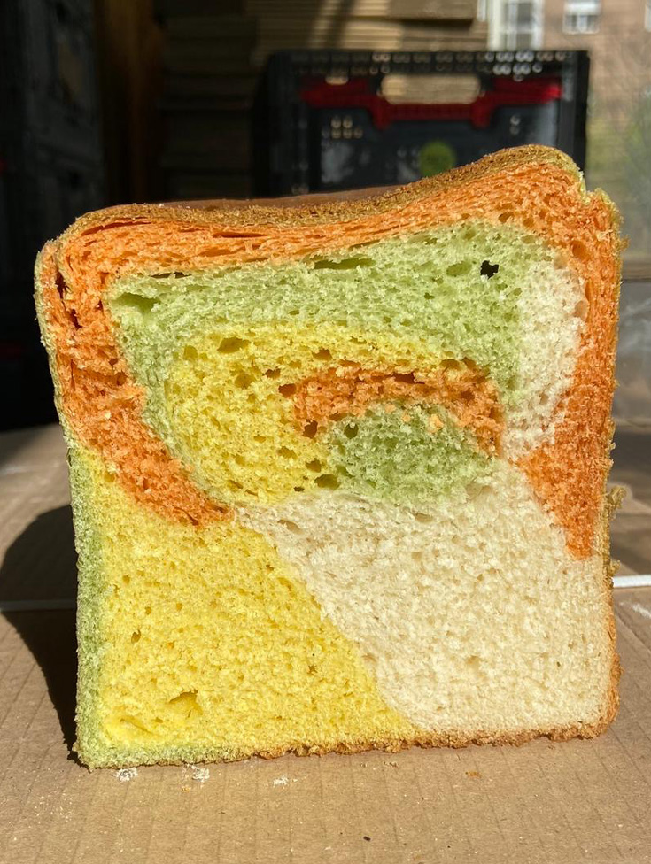Pan de molde de colores