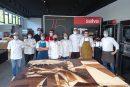 Salva Industrial cede sus instalaciones para recrear el Guernica en chocolate a tamaño real