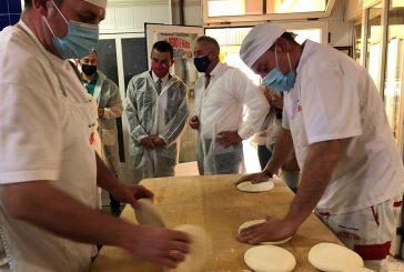Dos panaderías y únicas de la localidad con IGP Pan de Cruz